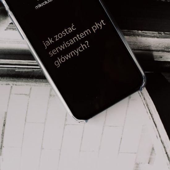serwisant płyt głównych iPhone